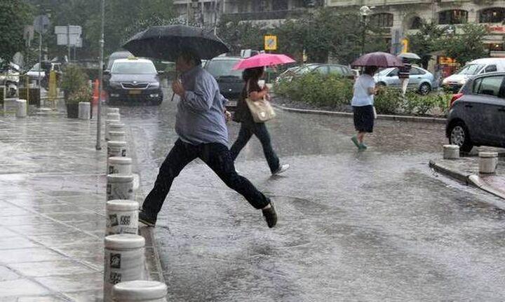 Αστατος ο καιρός την Τρίτη με βροχές και καταιγίδες: Πού θα είναι έντονα τα φαινόμενα