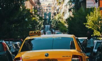 Πώς η μείωση του ΦΠΑ κάνει φτηνότερες τις μετακινήσεις με ΚΤΕΛ, ταξί