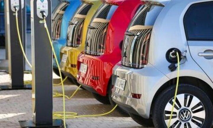 Χωρίς τεκμήριο τα ηλεκτρικά αυτοκίνητα - Τι προβλέπεται για τους φορτιστές