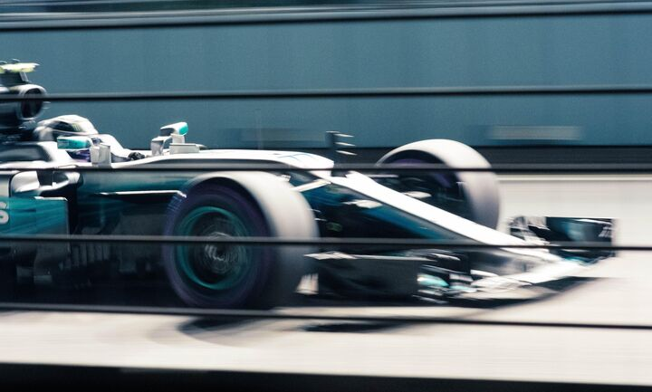H  Formula 1 κατά των διακρίσεων με... καρό σημαίες
