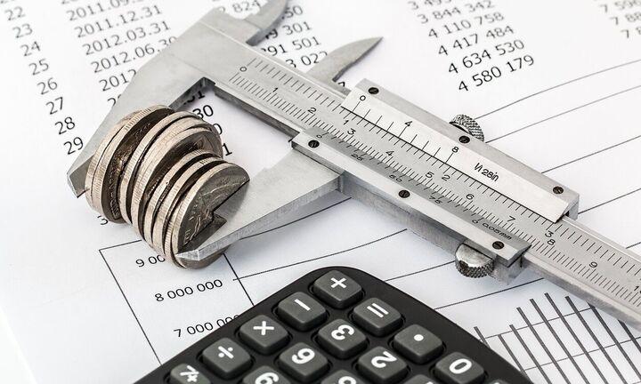 Στη Βουλή η ρύθμιση για πληρωμή των φόρων σε 8 δόσεις