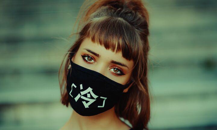 Τέλος το όριο των 6 ατόμων ανά τραπέζι και η μάσκα στα εμπορικά κέντρα για τους πελάτες