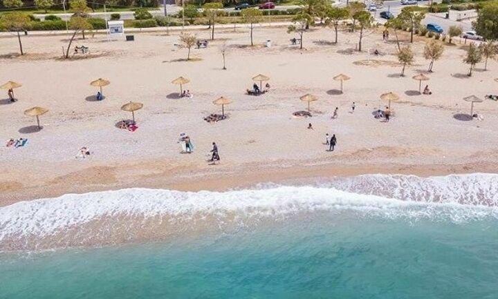 Παρατείνονται τα μέτρα στις παραλίες μέχρι το τέλος Ιουλίου