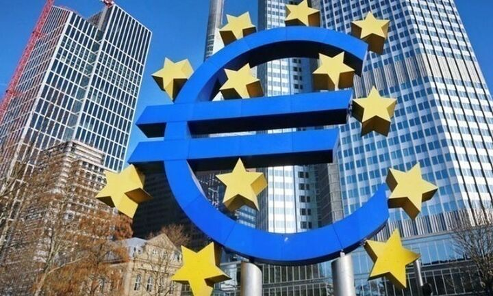 Σε υψηλό τεσσάρων μηνών το ευρώ μετά τη συμφωνία