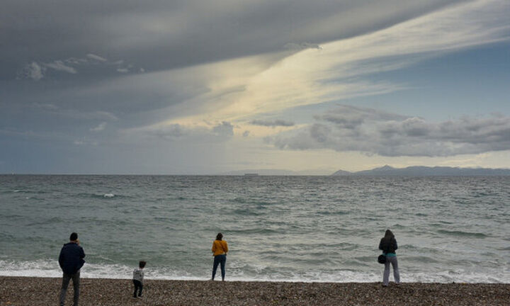 Πρόβλεψη για καταιγίδες το Δεκαπενταύγουστο: Πότε αλλάζει ο καιρός