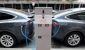 Ξεκινούν οι αιτήσεις για την επιδότηση ηλεκτρικού οχήματος: Τι πρέπει να ξέρετε