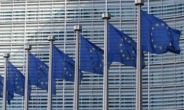 Συνεχίζονται οι διαπραγματεύσεις Κομισιόν - φαρμακευτικών για τα εμβόλια του κορονοϊού