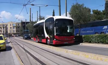 Ένα ηλεκτρικό λεωφορείο στην Αθήνα
