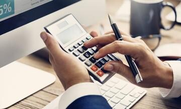 Είστε ελεύθερος επαγγελματίας; Υπολογίστε μόνοι σας τον (μειωμένο έως και 60%) φόρο του 2021