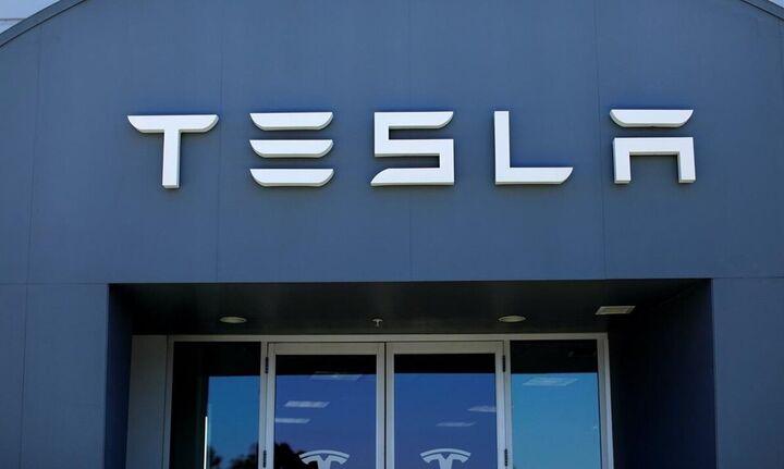 Tesla: Σε 3 χρόνια σε κυκλοφορία η νέα φθηνότερη μπαταρία για αυτοκίνητα