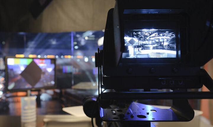 Φθηνότερη από σήμερα η συνδρομητική τηλεόραση - Πόσα θα γλιτώσουμε
