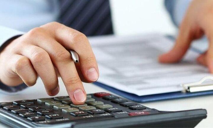 «Super δώρο» το 2021 σε ένα εκατ.  επαγγελματίες: Μειώσεις φόρων από 650 έως 5451 ευρώ - ΠΙΝΑΚΑΣ