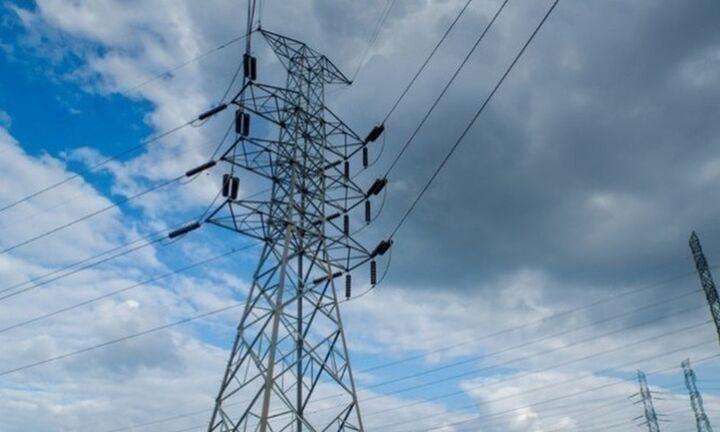 ΙΟΒΕ: Τον Ιούλιο η Ελλάδα είχε 13 φορές υψηλότερη τιμή στην ηλεκτρική ενέργεια