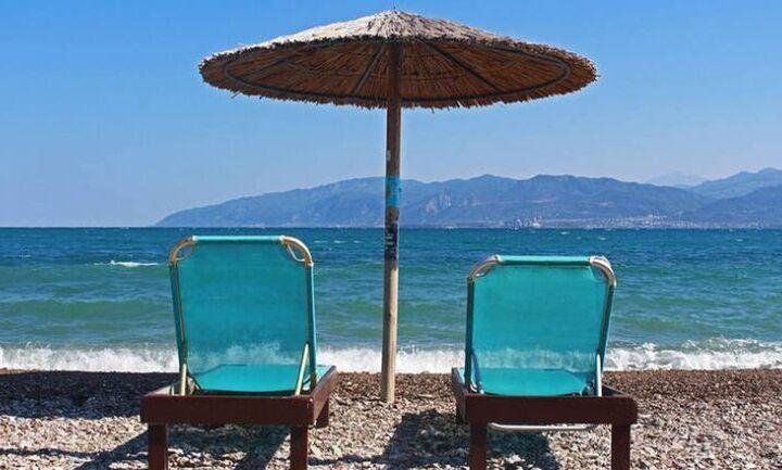 «Κραχ» στον τουρισμό τον Αύγουστο με απώλειες δισ. ευρώ