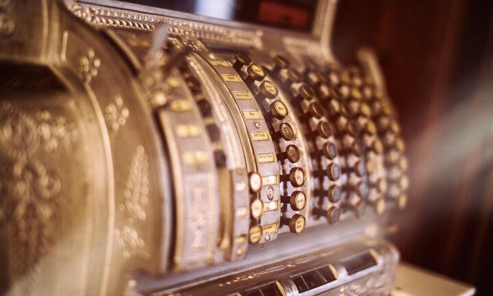Πήρε μικρή παράταση η απόσυρση των ταμειακών μηχανών