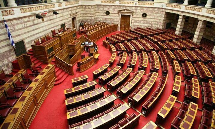 """Την Πέμπτη στην Ολομέλεια το νομοσχέδιο για τις εκκρεμείς υποθέσεις του """"νόμου Κατσέλη"""""""