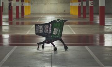 Το lockdown γέμισε τα ταμεία των σούπερ μάρκετ