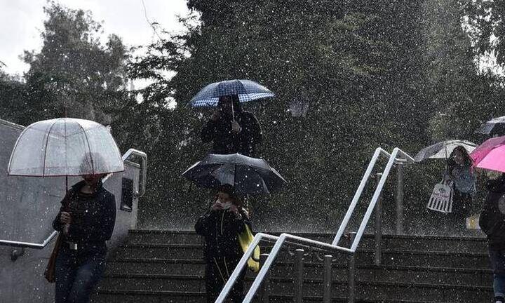 Επιδείνωση του καιρού με ισχυρές βροχές και καταιγίδες στη νότια νησιωτική χώρα