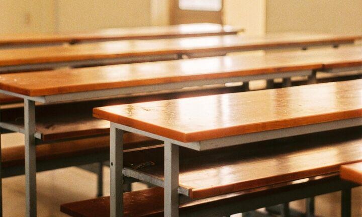 Κεραμέως: Πριν τις γιορτές το άνοιγμα των σχολείων, το πιθανότερο σενάριο