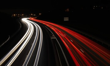 Πιο σύγχρονο πλαίσιο λειτουργίας για τις αστικές μετακινήσεις προτείνουν η Free Now και η Beat
