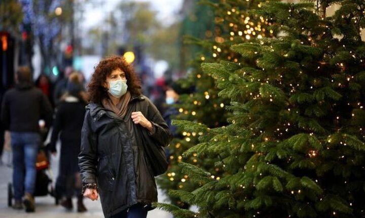Χριστουγεννιάτικες αγορές: Το 55% θα δαπανήσει λιγότερο από 100 ευρώ