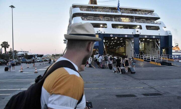 Μείωση 67% της επιβατικής κίνησης στα λιμάνια