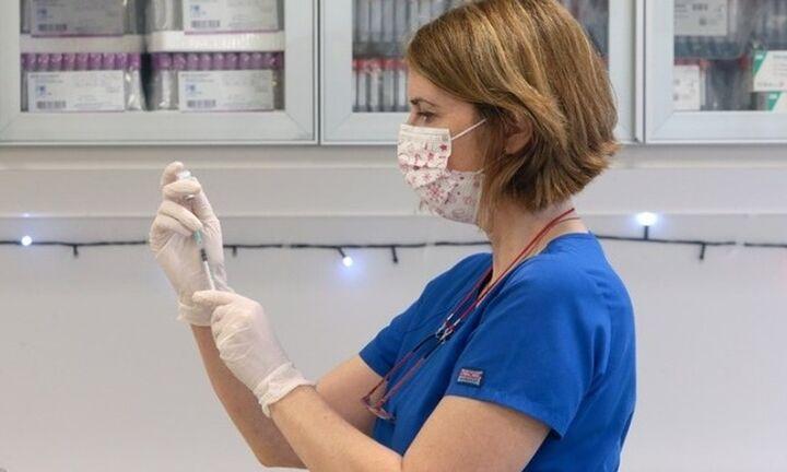 Εμβολιασμός κατά του κορονοϊού με απόδειξη - Διευκρίνιση για το ρόλο των φαρμακείων