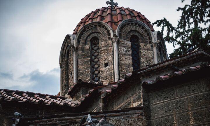 Εκκλησιαστικό αντάρτικο για άνοιγμα των εκκλησιών τα Φώτα