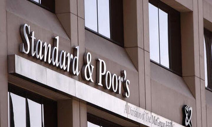 S&P: Στα 8 τρισ. δολ. οι εκδόσεις δημόσιου και εταιρικού χρέους το 2021