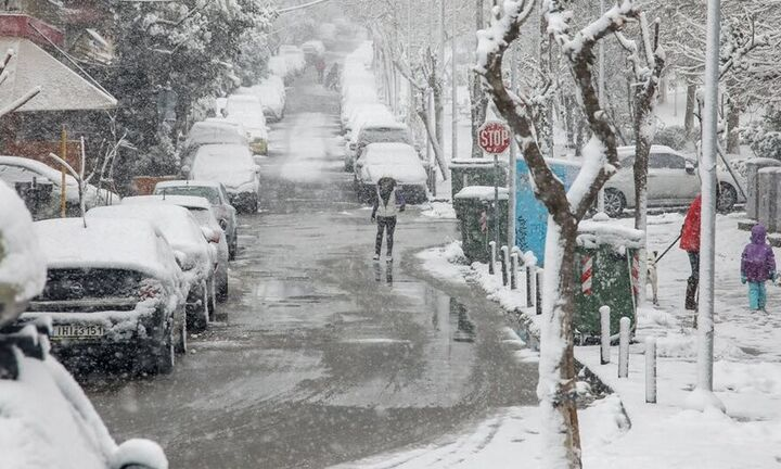 Εκτακτο δελτίο καιρού: Χιονοπτώσεις και μεγάλη πτώση θερμοκρασίας σε όλη τη χώρα φέρνει η «Μήδεια»