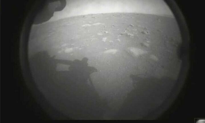 Στην επιφάνεια του Άρη το Perseverance
