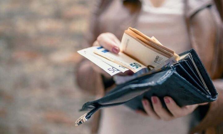 Ποιοι θα μοιραστούν τα 2,4 δισ. ευρώ που πληρώνει το δημόσιο αυτή την εβδομάδα