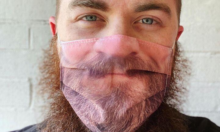Είσαι μουσάτος; Βάλε διπλή μάσκα!