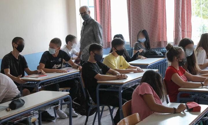 Αν. Γκίκα: Άνοιγμα Γυμνασίων, Λυκείων με εβδομαδιαία αυτοδιαγνωστικά τεστ