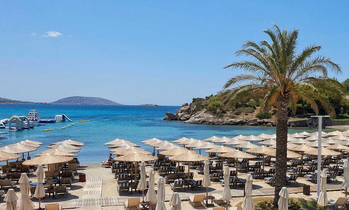 Κορωνοϊός: Ηπιότερες οι επιπτώσεις της πανδημίας στον ελληνικό τουρισμό