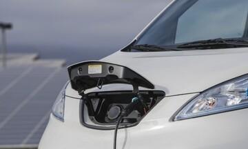 Ελεύθερα τα «καθαρά» ηλεκτρικά οχήματα στον δακτύλιο της Αθήνας