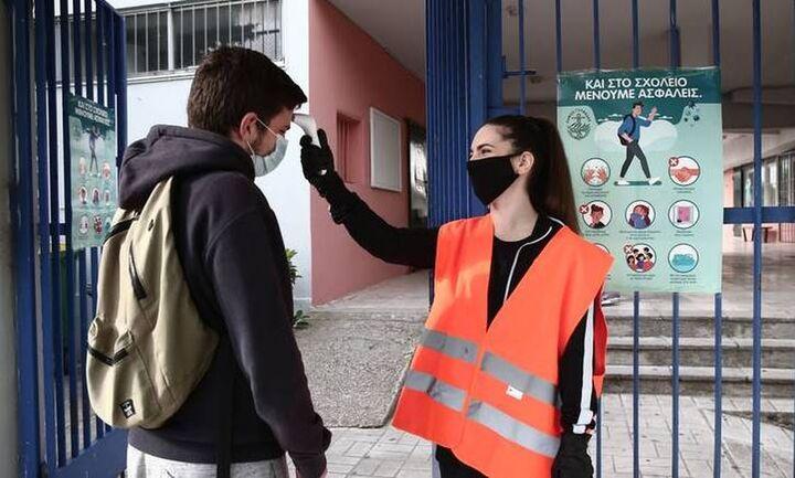 Προαναγγελία Πελώνη για άνοιγμα σχολείων με self tests στις 12 Απριλίου