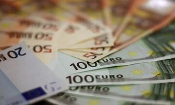 Φορολογικές δηλώσεις 2021: Μείωση φόρου και επιστροφές χιλιάδων ευρώ για επαγγελματίες - Υπολογίστε