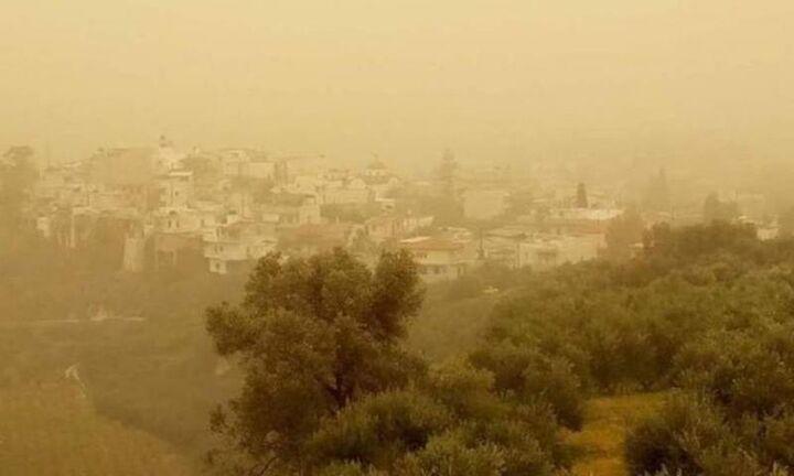Καιρός: Zέστη με τοπικές λασποβροχές και σποραδικές καταιγίδες
