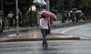 Καιρός: Πολύ θυελλώδεις νότιοι άνεμοι - Τοπικές λασπoβροχές και υψηλές θερμοκρασίες