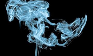 Το lockdown... άναψε τα τσιγάρα
