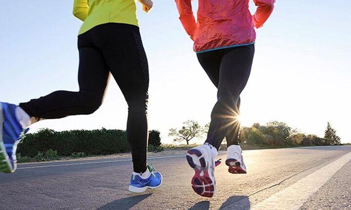 Η έλλειψη σωματικής άσκησης συνδέεται με αυξημένο κίνδυνο βαριάς Covid-19 και θανάτου