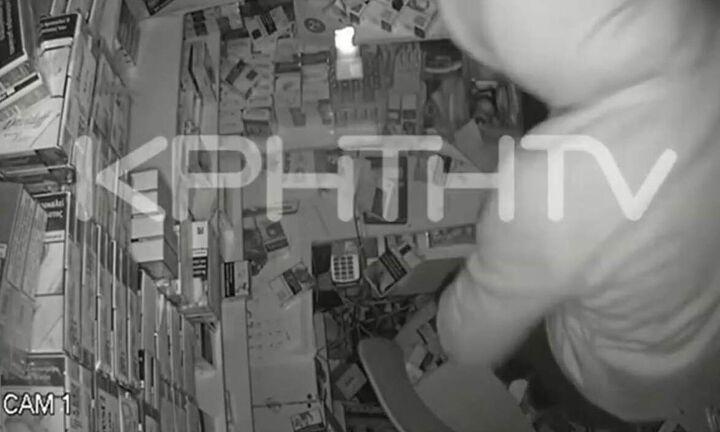 «Μαραθώνια» διάρρηξη σε περίπτερο: Το λεηλατούσαν επί 4 ώρες