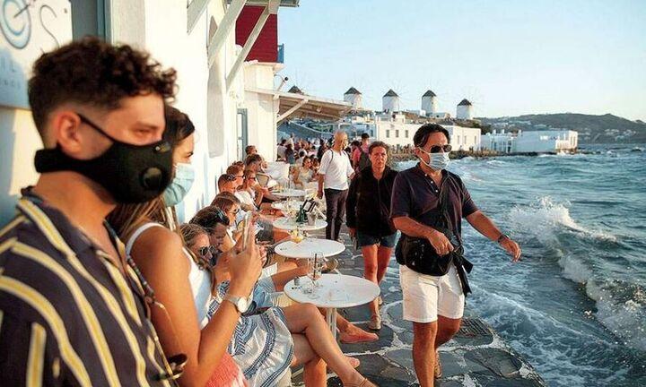Ανοιγμα τουρισμού: Σχέδιο για εμβολιασμό στα νησιά με έως 10.000 κατοίκους