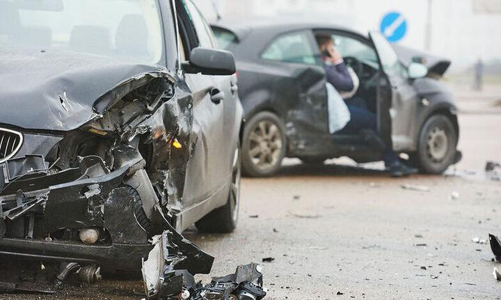 ΕΕ: Μειώθηκαν οι θάνατοι από τροχαία το 2020