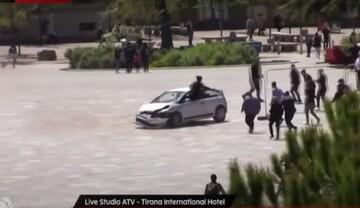 Άνδρας ακινητοποίησε με χτύπημα «καράτε» οδηγό που σκόρπισε τον τρόμο στα Τίρανα! (video)