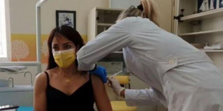 Δόμνα Μιχαηλίδου: «Το καλύτερο εμβόλιο είναι το πιο γρήγορο εμβόλιο»