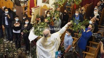 Χίος: Έγινε η πρώτη Ανάσταση με τον «ιπτάμενο ιερέα» που κάθε χρόνο γίνεται viral στο διαδίκτυο