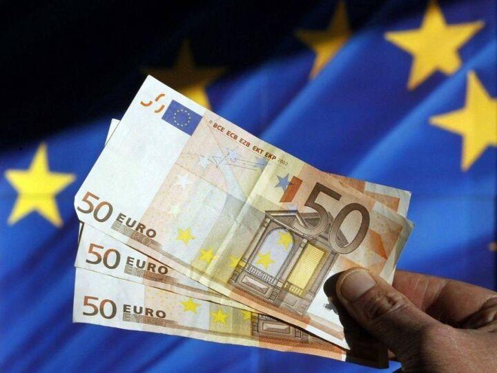 Ευρωζώνη: Μειώθηκε το κόστος δανεισμού των επιχειρήσεων τον Μάρτιο