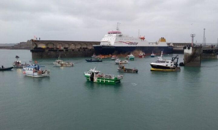 Πλακιωτάκης: Πρωτοβουλία για την σταδιακή απεξάρτηση ναυτιλίας από ορυκτά καύσιμα